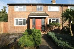 Semi Detached House To Let  Weybridge Surrey KT13