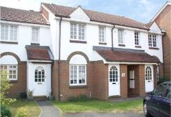 Terraced House To Let  Surrey Surrey KT12
