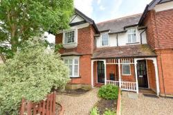 Maisonette To Let  Walton-On-Thames Surrey KT12