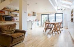 Terraced House To Let  Brighon East Sussex BN2