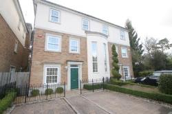 Terraced House To Let  Weybridge Surrey KT13