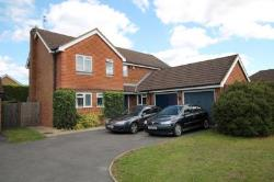 Detached House To Let  Woking Surrey GU24