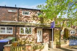 Terraced House To Let  Woking Surrey GU21