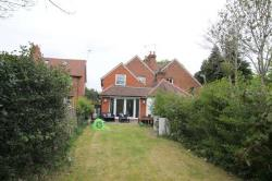 Semi Detached House To Let  Woking Surrey GU24