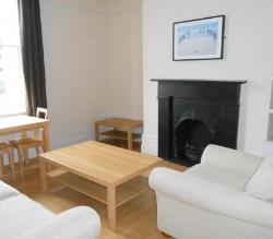 Flat To Let  Macclesfield Cheshire SK10