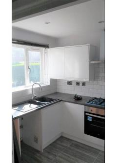 Terraced House To Let  Worcester Park Surrey KT4