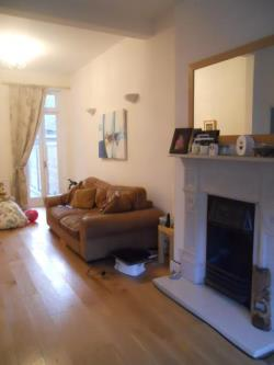 Terraced House To Let  South Wimbledon Greater London SW19