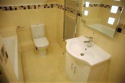 Flat To Let 27 Forty Hill Enfield Essex EN2