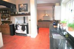 Detached House To Let  Altrincham Greater Manchester WA14