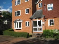 Flat To Let  Rickmansworth Hertfordshire WD3