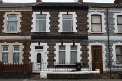 Terraced House To Let  Cardiff Glamorgan CF24