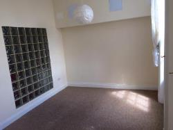 Flat To Let  Cheltenham Gloucestershire GL53