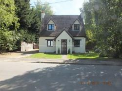 Semi Detached House To Let  Bedford Bedfordshire MK44