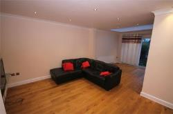 Detached House To Let  Dollis Hill Greater London NW10