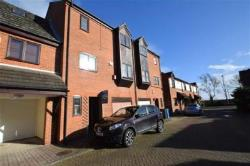 Terraced House To Let The Marina Hull East Riding of Yorkshire HU1