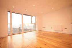Flat To Let  Canning Town Greater London E16