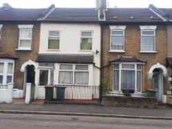 Terraced House To Let  Leytonstone Greater London E11