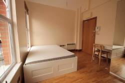 Flat To Let  Lower Clapton Greater London E5