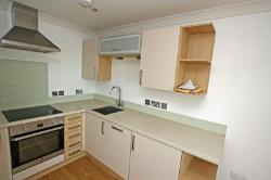 Flat To Let  Town Centre Dorset BH19