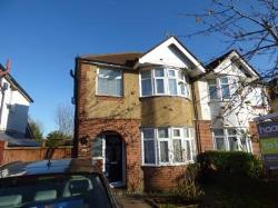 Semi Detached House To Let  Luton Hertfordshire LU2