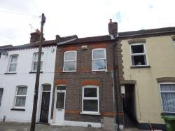 Semi Detached House To Let  Luton Bedfordshire LU1