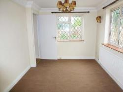 Detached House To Let  Gravesend Kent DA12