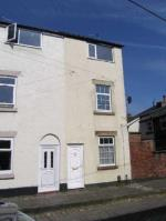 Terraced House To Let  MACCLESFIELD Cheshire SK10
