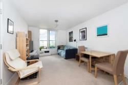 Flat To Let  London Greater London SW18