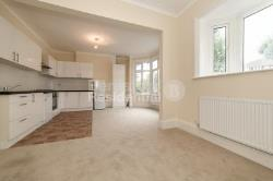 Maisonette To Let  Streatham Greater London SW16