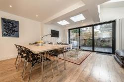 Flat To Let  Brixton Greater London SW11