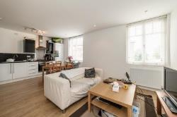 Terraced House To Let  Brixton Greater London SW9