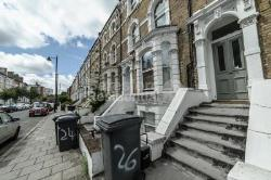 Flat To Let  Clapham North Greater London SW4