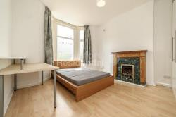 End Terrace House To Let  Peckham Rye Greater London SE15