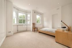 Terraced House To Let  Kennington Greater London SE17
