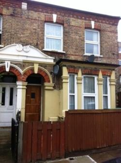 Flat To Let  Wood Green Greater London N22