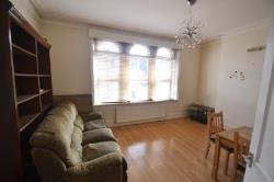 Flat To Let  Turnpike Lane Greater London N8