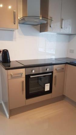 Flat To Let  Palmers Green Greater London N13