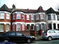 Flat To Let  Turnpike Lane Greater London N15