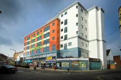 Flat For Sale The Springs Wakefield West Yorkshire WF1