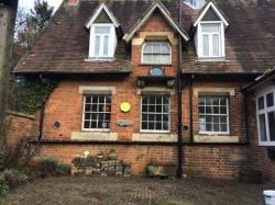 Detached House To Let  BROOKTHORPE Gloucestershire GL4
