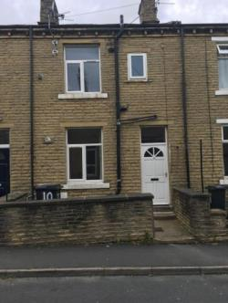 Terraced House To Let  HALIFAX West Yorkshire HD6