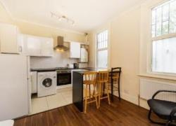 Flat To Let  Tooting Greater London SW16