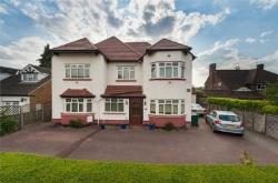 Detached House For Sale  Barnet Hertfordshire EN4