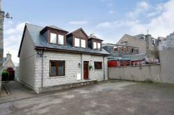 Detached House For Sale  Aberdeen Aberdeenshire AB25