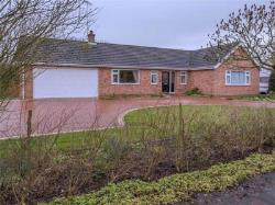Detached Bungalow For Sale  Scunthorpe Lincolnshire DN17