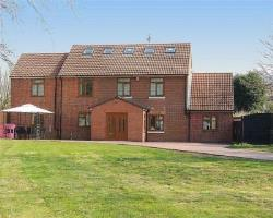 Detached House For Sale  Solihull West Midlands B92