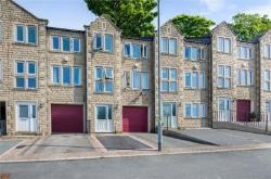 Flat For Sale  Huddersfield West Yorkshire HD3