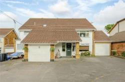 Detached House For Sale  Hockley Essex SS5
