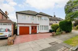 Detached House For Sale  London Greater London N20