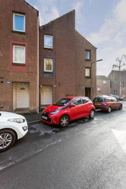 Terraced House For Sale  Dundee Angus DD1